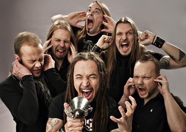 Плащат на швед, защото е фен на хеви метъла