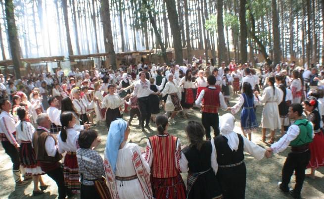 В Жеравна започва фестивалът на фолклорната носия
