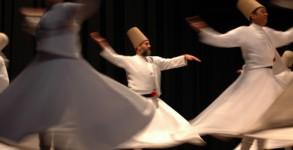 Танцуващи дервиши