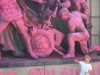 Розов паметник на съветската армия и дете