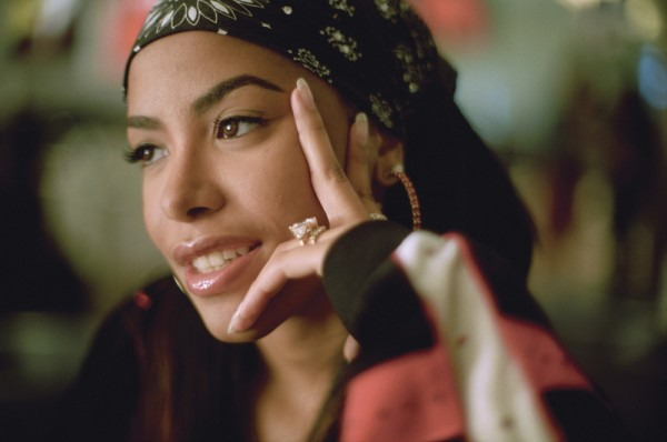 Chris Brown върна Aaliyah от отвъдното