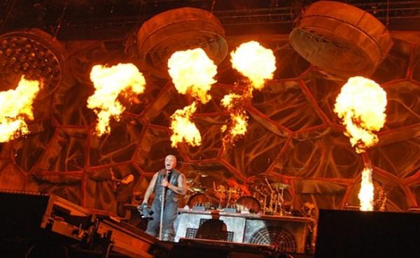 RAMM-M-M-MSTEIN отново бълват пламъци в София