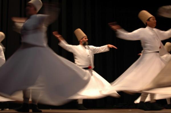 Чудото на танцуващите дервиши идва в Пловдив
