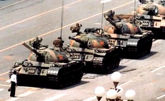 Преди 28 години, танковете можеха да излязат в София, но не на парад